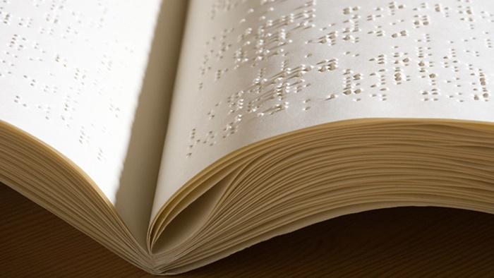 книги по брайлю700.jpg