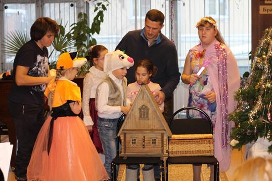 Праздник для детей с ограниченными возможностями «Новогодняя сказка» в РГБС 550.JPG
