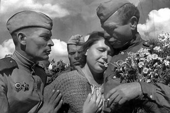 Выставка ко Дню Победы в Великой Отечественной войне_350.jpg