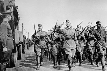 Выставка в РГБС «Плакаты Великой Отечественной войны»_350.jpg